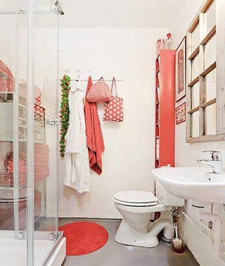 粉红色系卫生间摆放图