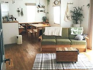 日式风格客厅三人沙发设计