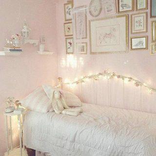 粉色卧室装修装饰效果图