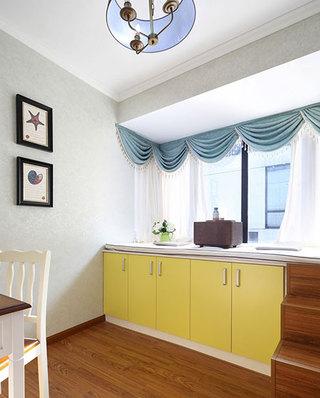 104平美式小三室装修餐厅收纳柜
