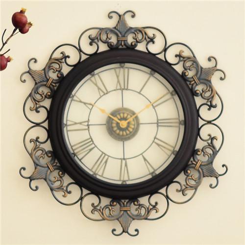 这是一款欧式的大钟设计