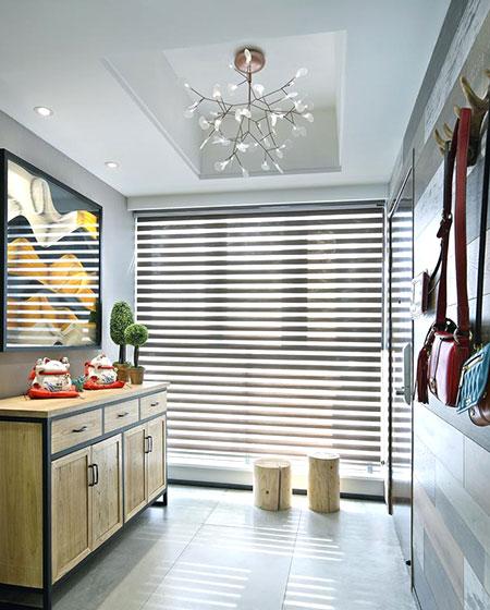 现代简约三居室装修玄关装修设计图
