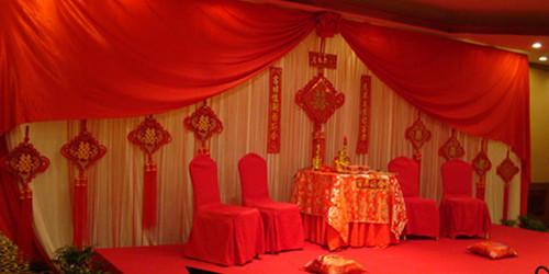 婚礼背景布置 中式婚礼背景要怎么设计
