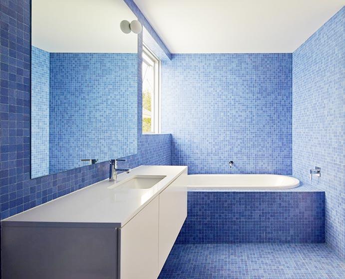 蓝白色卫生间浴室图片大全