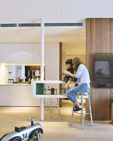 160平简约公寓装修吧台装修图