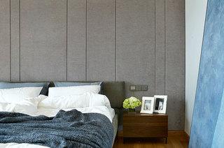 210平简约公寓装修床头软包设计