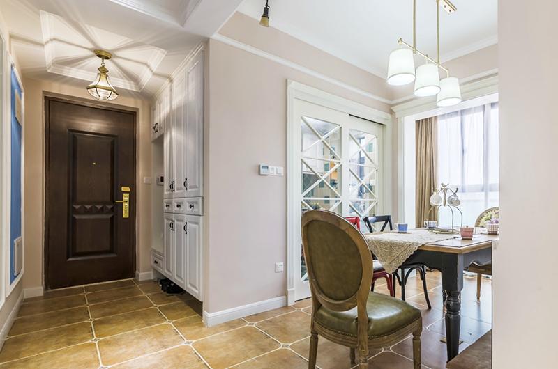 93平美式三居室门厅效果图