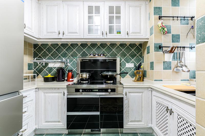 93平美式三居室厨房装修实景图