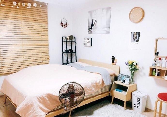 女生简约卧室装修图片