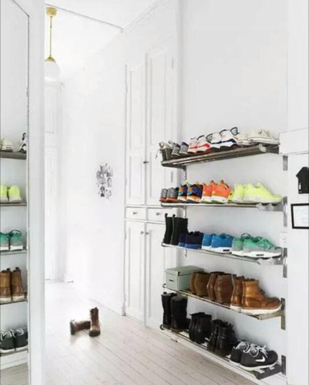 小户型玄关墙面鞋架装修图