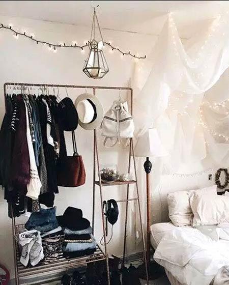 小户型卧室装修衣帽架图片