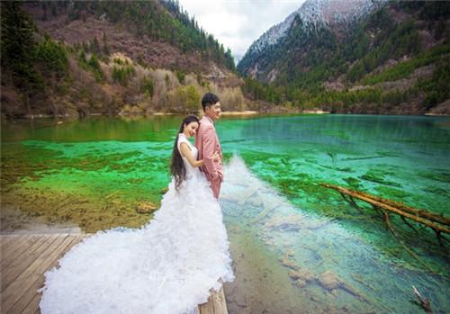 九寨沟婚纱摄影公司如何选择 高原景区拍摄注意事项