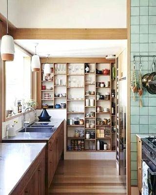 日式风格木质厨房装修效果图