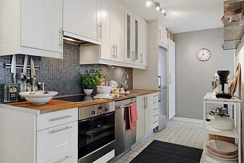 这是一款简约风,去掉了多余的装饰,给厨房带来视觉上的宽敞.