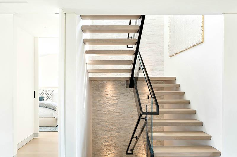 简约风格别墅装修实木楼梯图片