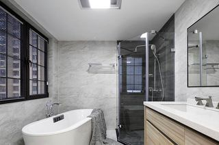 220平美式风格四居主卫生间装修