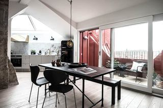 35平单身公寓装修餐厅阳台隔断图