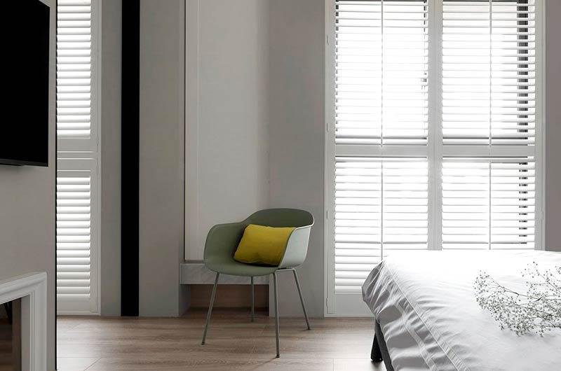 简约风格三居室卧室装修图