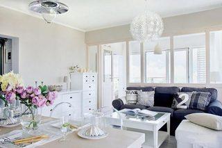 白色系客厅的布置平面图