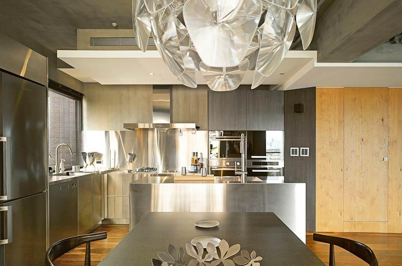 160平复式楼装修餐厅厨房一体设计