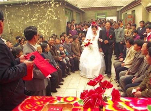 农村婚礼司仪词怎么说 怎么策划农村婚礼