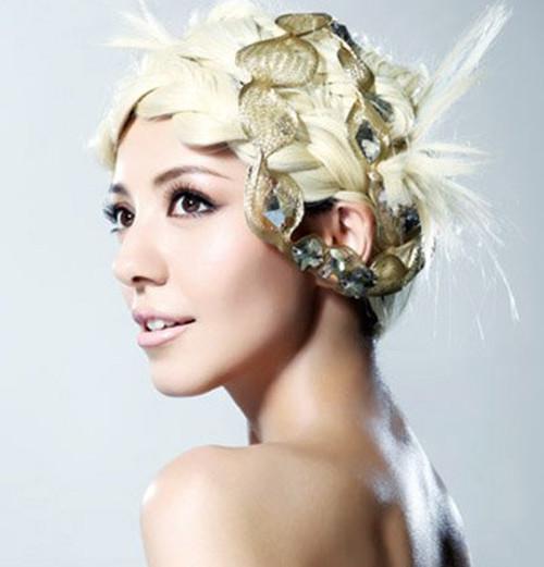 波西米亚风格婚纱照新娘发型 四款新娘发型教程分享图片