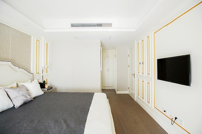 白色卧室装修构造图