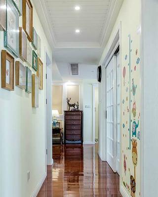 135平美式三居室照片墙效果图