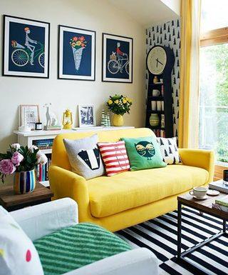彩色客厅沙发摆放图