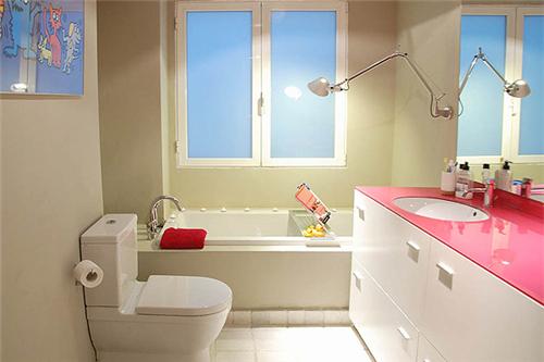 小户型浴室装修效果图 打造舒适温馨的洗浴空间 5图片