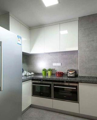 120平简约三居室厨房实景图