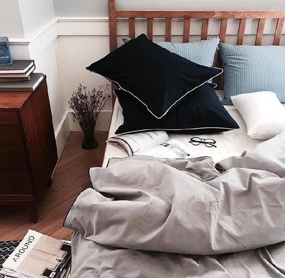 卧室布艺床装修参考图