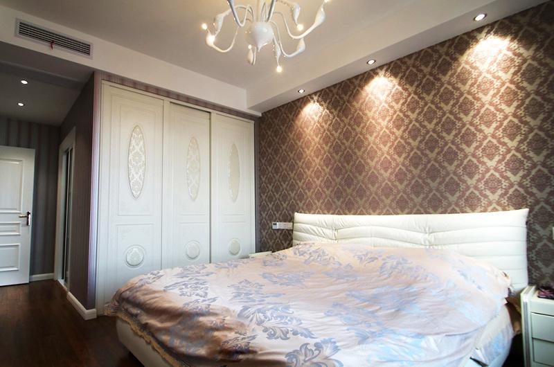 138平简约三居室卧室壁纸图片