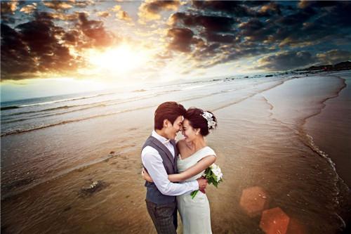 海边婚纱照图片赏析 海边唯美婚纱照怎么拍