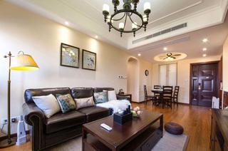 110平美式三居室客厅装修效果图