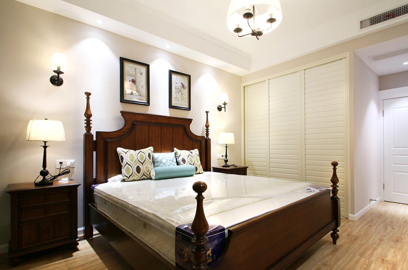 100平美式风格二居卧室衣柜图片