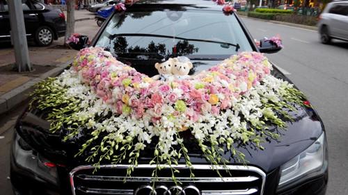 婚车花怎么做 鲜花装饰婚车一般多钱