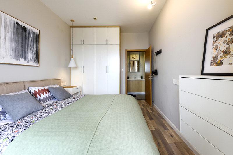 70平北欧风格二居卧室衣柜设计图