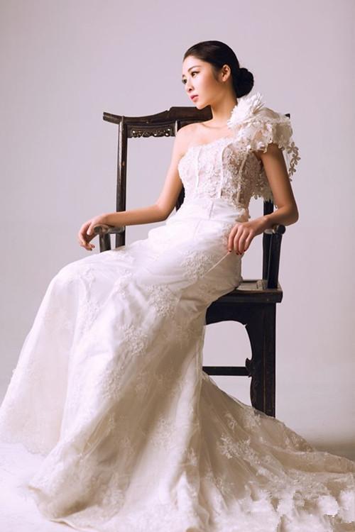 一个人拍婚纱照多少钱 单人婚纱照姿势和拍摄技巧