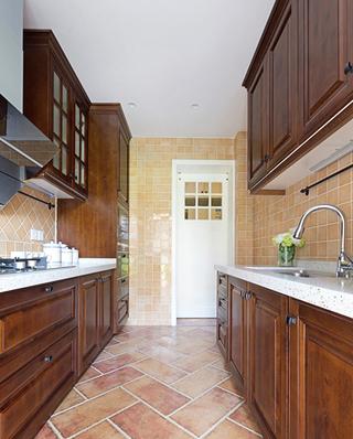 100平美式三居室厨房装修实景图