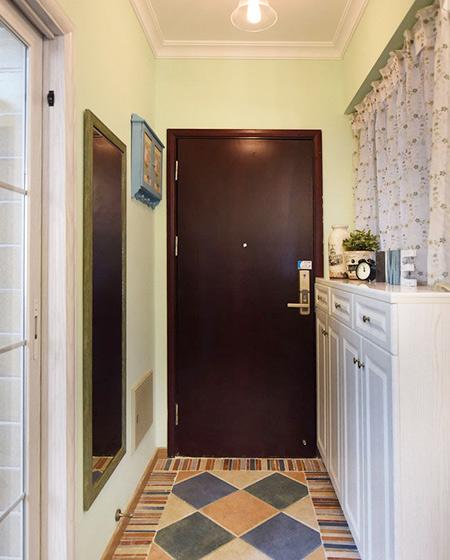 78平美式风格二居玄关装修图片