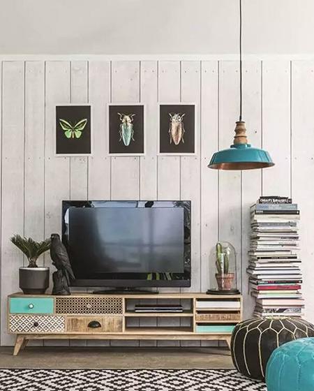 客厅木质电视背景墙设计装修