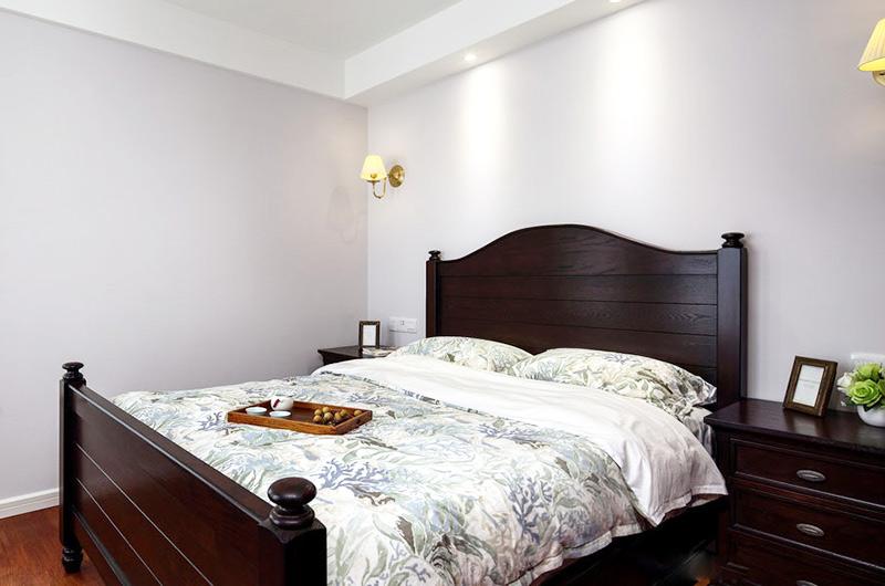 140平美式风格四居卧室床品图片