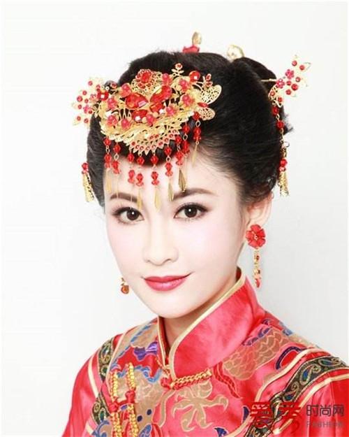 中式婚礼新娘发型好看吗 2017中式婚礼需要多少钱