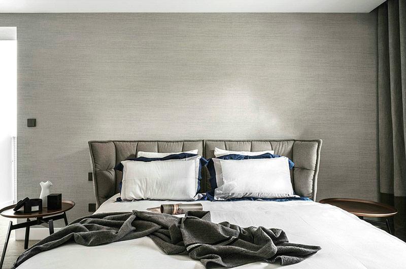 400平独栋别墅装修卧室床头软包