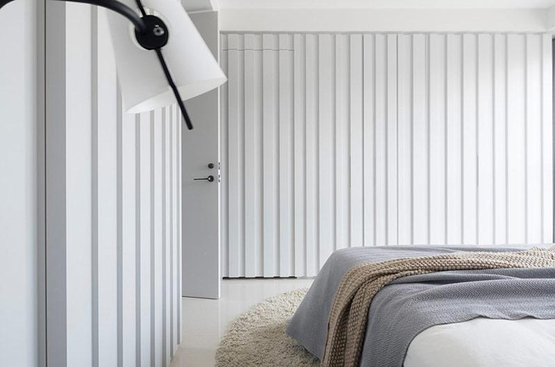 105平简约风格三居卧室衣柜图片