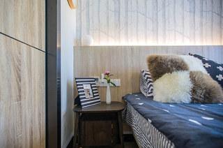 140平简约风格装修卧室壁纸图片