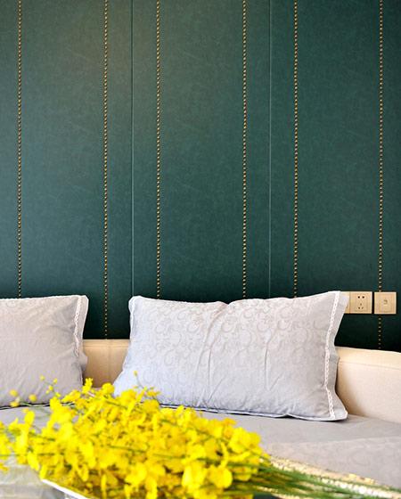 108平新古典风格二居卧室床头软包