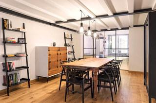 工业风格阁楼旧房改造装修 复古与现代并存5/10