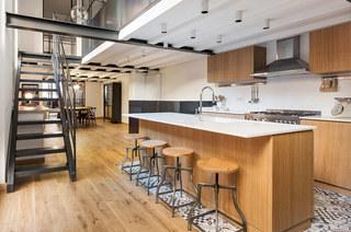 工业风格阁楼旧房改造装修 复古与现代并存7/10